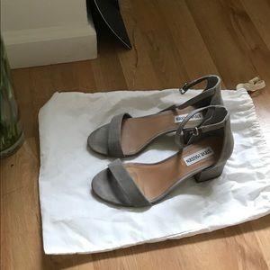 Steve Madden Grey sandals